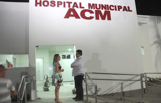 Prefeita convidou deputado Alex para conhecer as novas instalações.