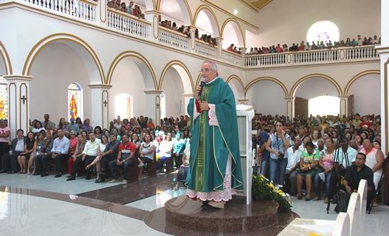 Catedral de Santana em Serrinha celebração da missa dominical. Foto: Raimundo Mascarenhas