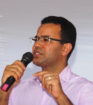 Silva Neto garante que em breve toda residencia rural de Araci terá cisterna.