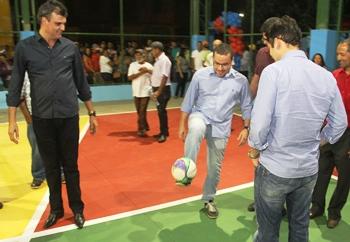 A expectativa de muitos é que Zenonzinho 'passe a bola para Júnior'
