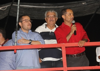 Vereador Miraldo criticou a ausência e falta de prestação de serviços dos profissionais ligados ao principal adversário.
