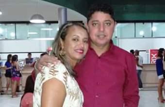 Katiane ao lado do esposo, vereador Lomanto.