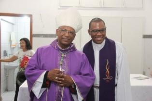 Padre Alexandre disse que a presença de Dom Zanoni deu um entusiasmo a mais a comunidade católica.