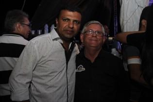 Ari ao lado de Jorge Andrade.