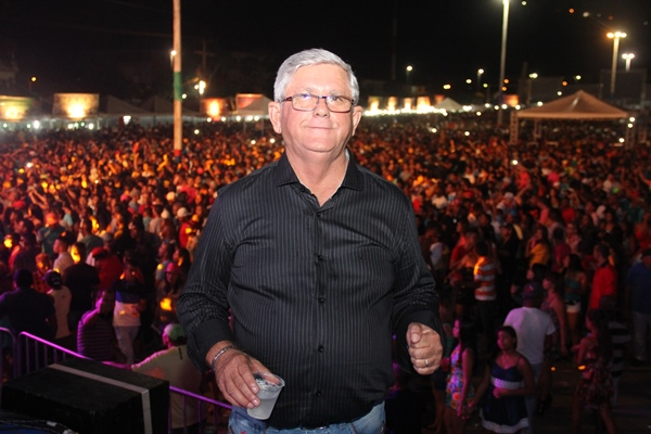Prefeito Jorge Andrade satisfeito pelo sucesso da festa.