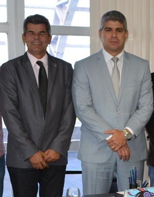 Gika recebido pelo secretário de Segurança Pública Mauricio Barbosa.