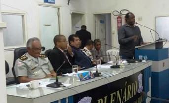 Chefe de gabinete conhecido por Professor Luizinho representou o deputado.