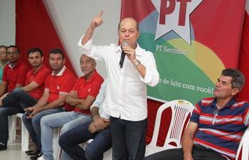 Joseildo deu exemplo de unidade quando sendo o deputado majoritário de Serrinha aceitou de forma natural a candidatura de Gika e se manteve firme em luta de projetos para o município.