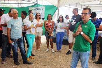Assis apresentou para o público presente os investimentos feitos no seu governo para beneficiar a agricultura.