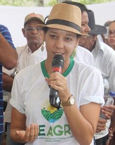 Luzia comemora o sucesso da feira e a grande participação dos produtores.