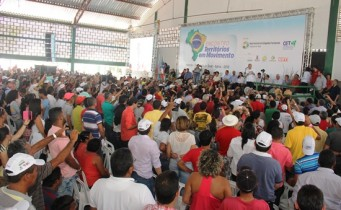 Evento reuniu milhares de pessoas na sexta-feira pela manhã.