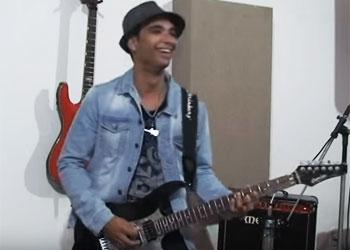 Paulo se especializou no projeto música instrumental.