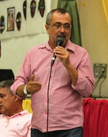 Ismael Ferreira prefeito de Valente.