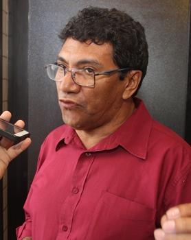 Zé Paulo deve tentar a sorte em outro partido, pois pelo PT disputou muita coisa e não conseguiu êxito em nenhuma disputa.