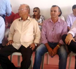 Prefeito Hildefonso (E) ao lado do vice, Edgar Miranda que tem direito de disputa