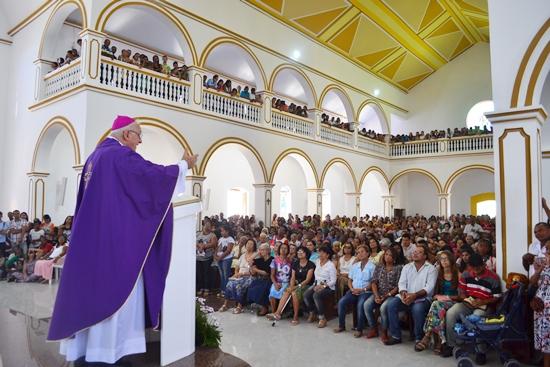 Bispo chamou os fiéis para este momento inédito quando as catedrais abrem as Portas da Misericórdia.