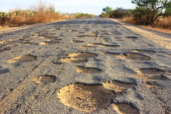 Muitas estradas se encontram desta forma.