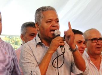 Renato Souza depois de eleito em 2008 pelo PP, concorrer e perder em 2012 pelo mesmo partido, agora mudou e está no PRP