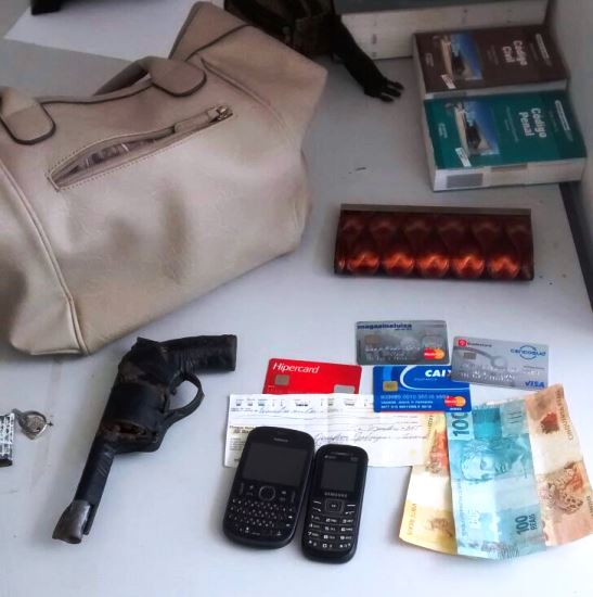 produtos roubados em serrinha, por jovem que mãe denunciou.