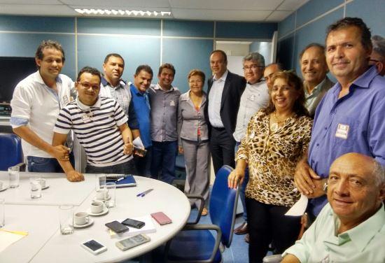 reunião da comissão de canudos na superintendecia do banco do brasil em salvador.3