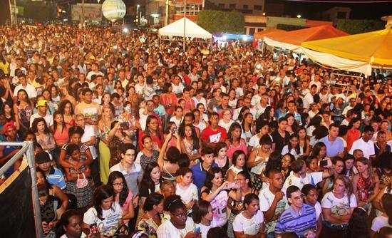 show com irmã Kelly Patricia em Conceição do Coité - Foto2- Raimundo Mascarenhas