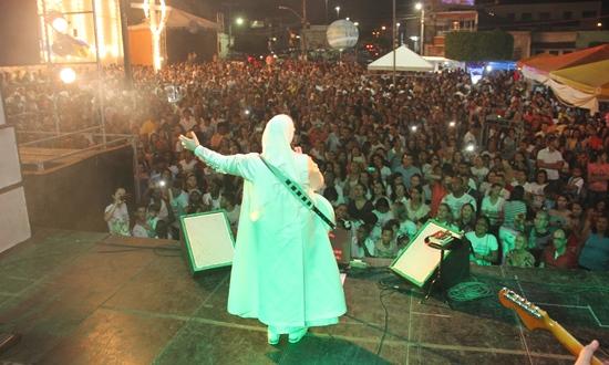 show com irmã Kelly Patricia em Conceição do Coité - Foto3- Raimundo Mascarenhas