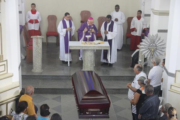 Sepultamento do corpo de Padre Egionor Cunha - Foto - Raimundo Mascarenhas (8)