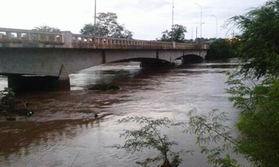 Ponte na BA 120 ligando Queimadas a Cansanção, Monte Santo, Itiúba e BRs 407 e 116 pode ser interditada.