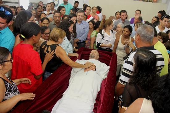 sepultamento do corpo de padre egionor -4