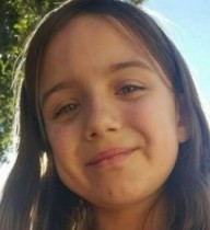 Menina pulou na frente do carro para salvar  crianças de atropelamento