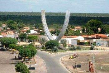 Cidade de Capim Grosso distante cerca de 60 km de Jacobina e 100 Km de Senhor do Bonfim.