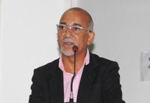 Edvaldo Teixeira representou Osni na abertura dos trabalhos legislativos.