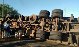 Motorista não sofreu nenhum ferimento.