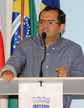 Cléber Couto presta serviço de assessoria jurídica a vários municípios ha mais de 20 anos. Garante saber o que é gestão pública.