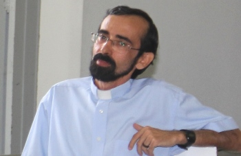 Padre Alessandro tem defendido as causas em Riachão, não somente as religiosas.