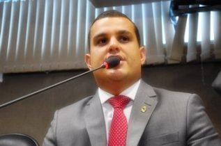 Alex Lima cumpre seu primeiro mandato de deputado estadual pelo PTN