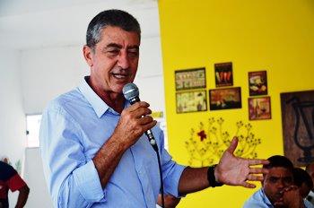 Orlandinho governou por oito anos, não fez sucessor, mas o grupo de oposição tende a lhe apoiar este ano.
