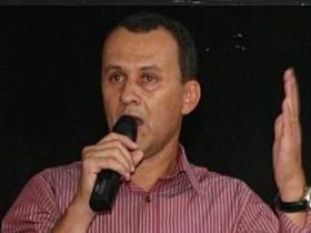 Edinho vai para um partido contra o PT local, mas sabe que o PR apoia o PT estadual e nacional.