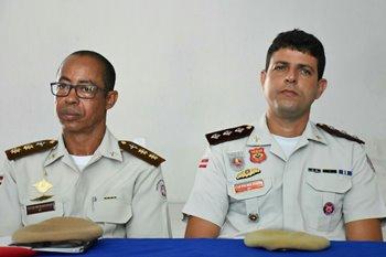 Tenente coronel Gilson Paixão (E) e capitão Diaz