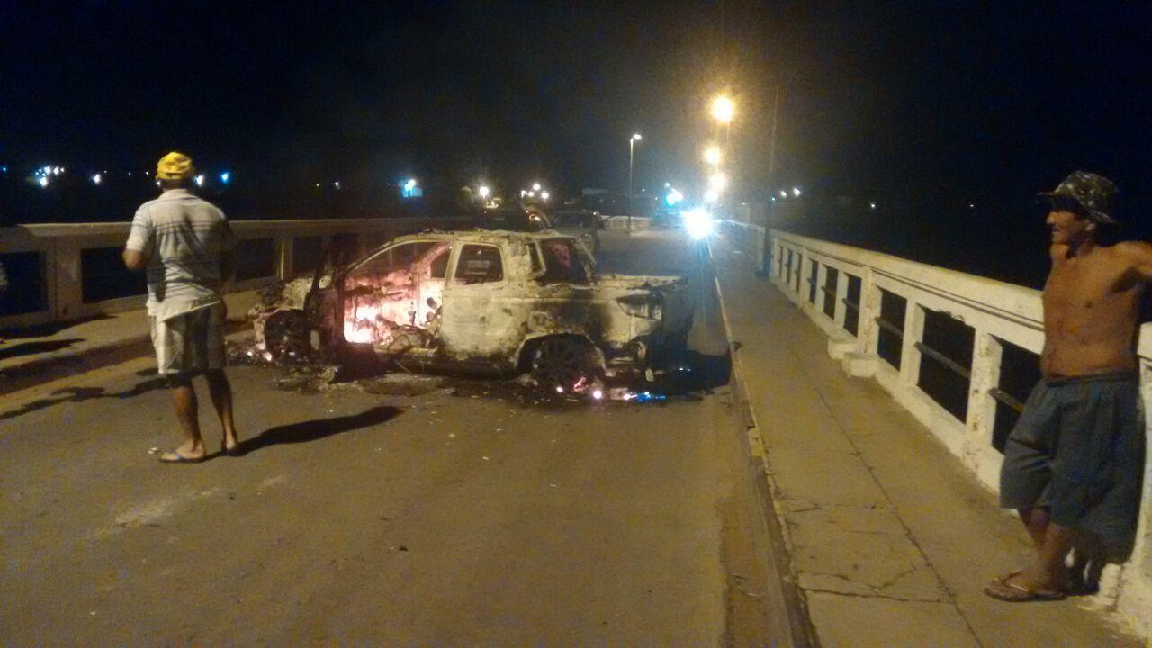 carro incendiado em cipo