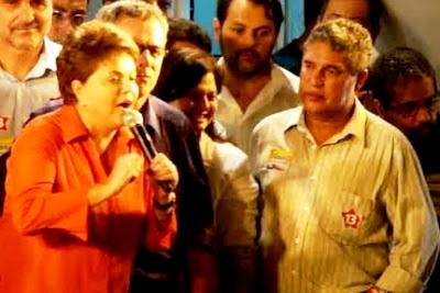 Rosemberg (a direta) em um dos atos de Dilma na Bahia