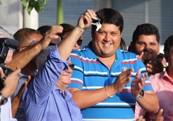 Dr Luciano como é conhecido, é pré-candidato a prefeito da vizinha cidade de Euclides da Cunha