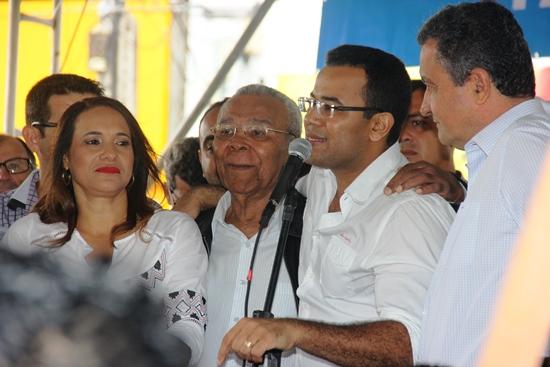 Silva Neto agradeceu os benefícios e aproveitou para pedi mais obras para o município | Foto: Raimundo Mascarenhas