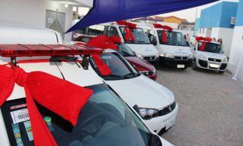 Veículos ficaram expostos na entrada da UPA
