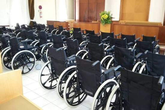 entrega de cadeiras na igreja dos mormons - 2