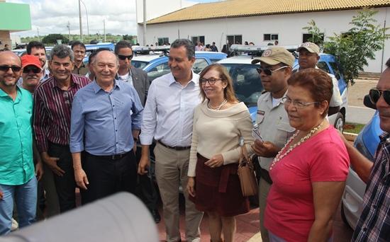 Entrega de viaturas aconteceu no estacionamento do IFBA | Foto: Raimundo Mascarenhas