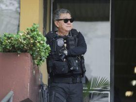 Ele está detido na Superintendência da Polícia Federal na capital paranaense.