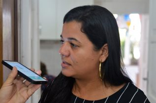 Vereadora diz que diante das dificuldades, a oposição acatou o novo nome.