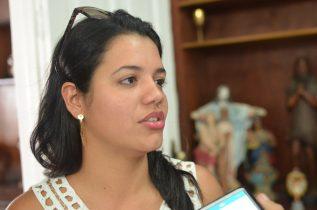 """Elaine comenta sobre a sugestão do nome do """"Dr. Sérgio."""