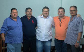 Rivinha, Nelson Moura, deputado Alex da Piatã, prefeito Ito e Dão Cordeiro (da esquerda pra direita). Foto: Teones Araújo